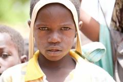 Operieren in Afrika e.V. ist ein gemeinnütziger Verein, der sich für die Verbesserung der Gesundheitsversorgung in Burkina Faso einsetzt. Der Freiburger FotografAchim Käflein hat Prof. Dr. Bernhard Rumstadt und seine Mitarbeiter nach Afrika begleitet, um das Hilfsprojekt, die Klinik in Leo zu fotografieren und die Menschen aus Burkina Faso zu portraitieren. © Kaeflein Fotodesign, Fotostudio Freiburg
